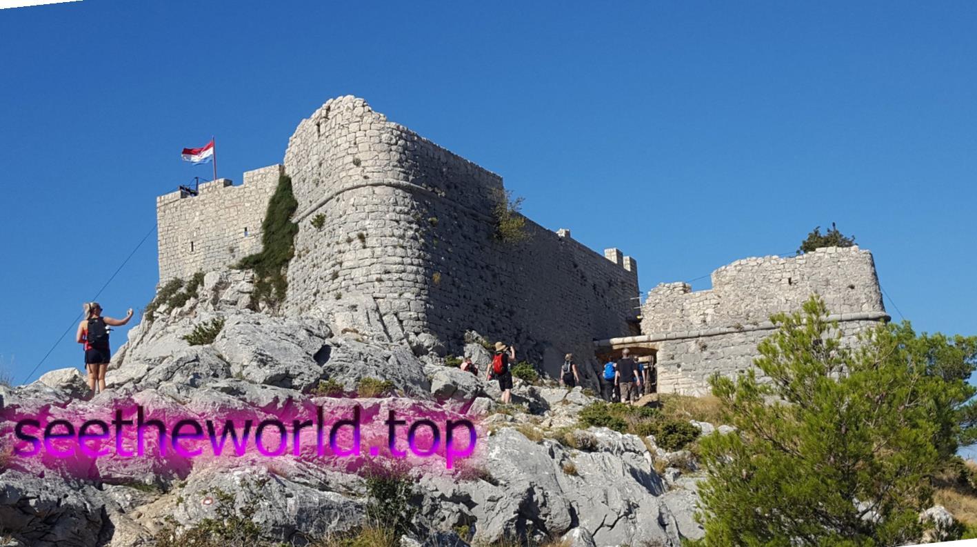 Оміш - старовинне піратське місто в Хорватії