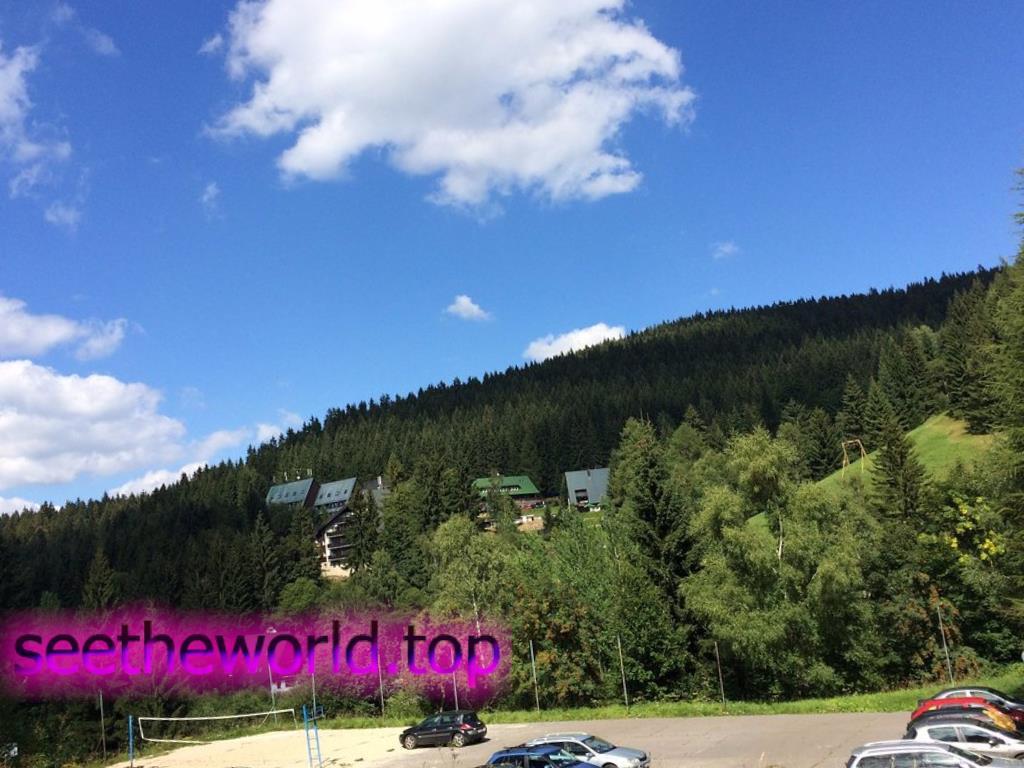 Гірськолижний курорт Гаррахов (Harrachov), Чехія